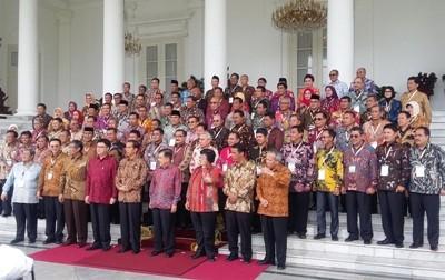 Jokowi_dan_kepala_daerah_di_Istana_Bogor