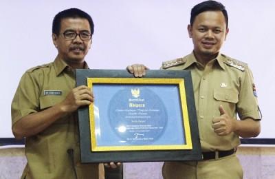 sertifikat_adipura-bima_ade