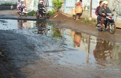 jalan-rusak-di-kabupaten-bogor