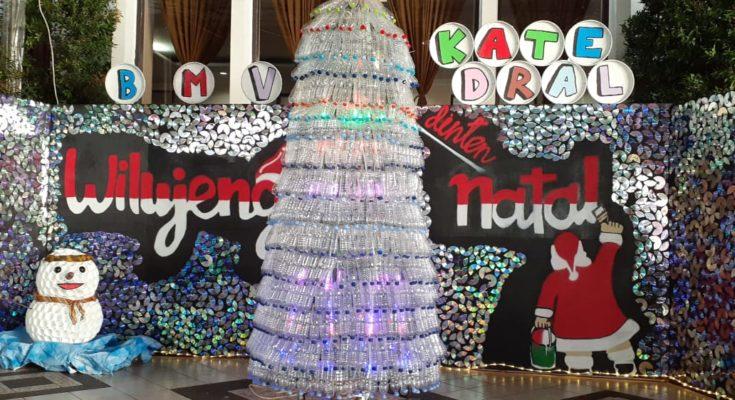 Hiasan Pohon Natal Dari Botol Bekas