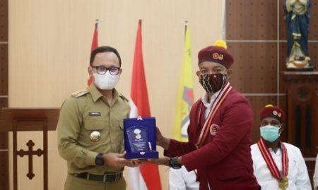 Bima Arya saat menghadiri pelantikan pengurus DPC Perhimpunan Mahasiswa Katolik Republik Indonesia (PMKRI) Kota Bogor