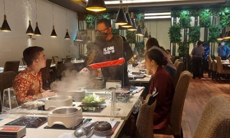 Bima Arya Layani Puluhan Perawat Makan Siang di Shabu Hachi Pajajaran