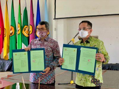 Kepala BPKSDM Kabupaten Bogor Zulkifly dan Dekan Pascasarjana Unpad Prof Dr Hendarmawan MSc.