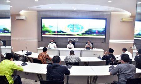 Pimpinan dan Anggota Komisi I DPRD Provinsi Jawa Barat melaksanakan kunjungan kerja Ke Kementrian Agraria dan Tata Ruang Badan Pertanahan Nasional RI Jakarta. Selasa, (20/4/2021).Kunjungan tersebut bertujuan untuk konsultasi terkait aset milik Provinsi Jawa Barat. (Foto: Budi/Humas DPRD Jabar).