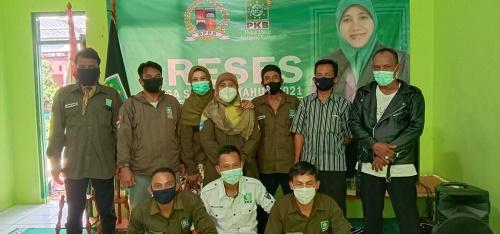 Keterangan foto : Lusiana Nurissiyadah Reses bersama warga Kelurahan Cibadak
