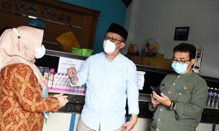 Komisi I DPRD Provinsi Jawa Barat meninjau langsung proses pengelolaan Badan Usaha Milik Desa (BUMDes) Niagara di Desa Wangi Sagara, Kabupaten Bandung, Jumat (21/5/2021). (Foto : Tri Angga/Humas DPRD Jabar).