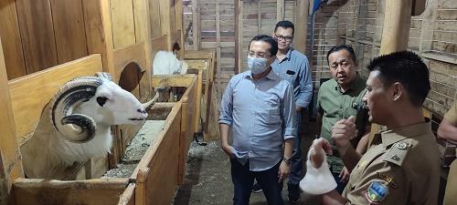 Komisi I DPRD Provinsi Jawa Barat lakukan kunjungan kerja ke Bumdes Bina Laksana di Desa Sukalaksana Kecamatan Samarang, Kabupaten Garut, Senin (14/6/2021). (Foto : Fajar/Humas DPRD Jabar).