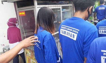 Polresta Bogor Kota berhasil menangkap komplotan pembobol toko Aneka Makmur di Jalan Pengadilan, Kota Bogor. Kedua tersangka pembobol toko itu adalah sepasang suami istri (Pasutri).