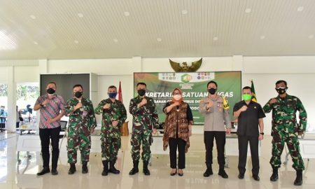 Bupati Bogor Ade Yasin menerima kunjungan Kepala Dinas Komunikasi dan Elektronika (Kadiskomlekal) Markas Besar Angkatan Laut di Aula Pendopo Bupati