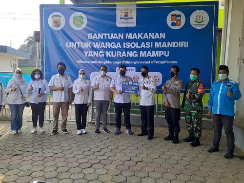 Kadin Kota Bogor Berikan Makanan untuk warga isoman kepada camat Bogor Selatan