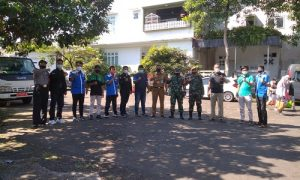 PK KNPI Bogor Selatan saat menghadiri vaksinasi di RT zona merah di Kelurahan Ranggamekar, Kecamatan Bogor Selatan