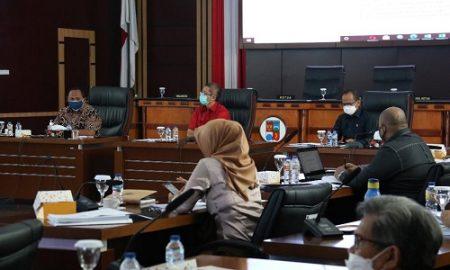 Rapat : Pimpinan dan Anggota DPRD Kota Bogor sedang menggelar Rapat Banggar
