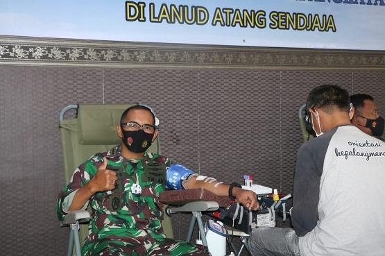 Lanud Atang Sendjaja menggelar kegiatan bakti sosial donor darah dalam rangka Hari Bakti ke 74 TNI AU yang dilaksanakan di RS dr. M. Hassan Toto, Kec. Kemang.