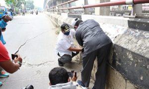 Ketua DPRD Kita Bogor, Atang Trisnanto tinjau jalan Sholeh Iskandar /Sholis yang amblas