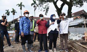 Pimpinan dan Anggota Komisi IV DPRD Provinsi Jawa Barat mengunjungi Situ Ciburuy terkait Revitalisasi Tahap 2, Jum'at, (17/09/2021) Foto : Reza & Farhat / Humas DPRD Jawa Barat