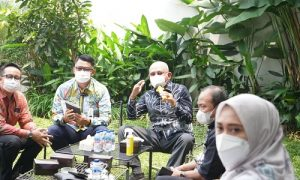 Pimpinan dan Anggota Badan Anggaran DPRD Provinsi Jawa Barat melaksanakan kunjungan kerja ke Bank BJB Kantor Cabang Kota Cimahi dalam rangka pembahasan RKUA PPAS TA 2022. Senin, (4/9/21). Foto : Fahmi dan Dian / Humas DPRD Jabar.