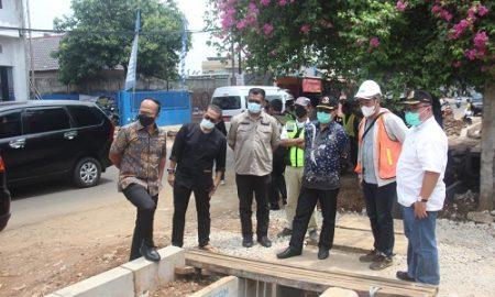 Anggota Komisi IV DPRD Provinsi Jawa Barat melaksanakan kunjungan kerja ke Kota Depok dalam rangka meninjau jalan Provinsi yang terletak di wilayah Kalimulya